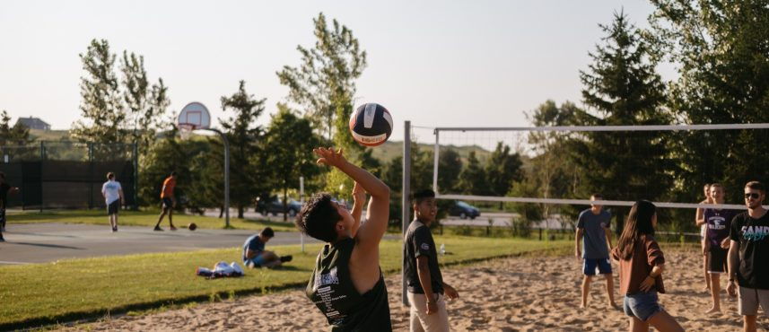 AH_outdoor-activity_volleyball